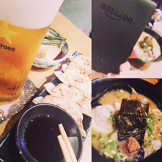 日曜日は、すず木で餃子読書!3周年おめでとうございます!!!I love to read a book while eating Gyoza in Ramen bar Suzuki on Sunday! Congratulations to the 3rd anniversary !!!